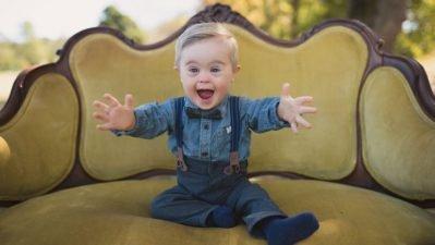 bebê com sindrome de Down OshKosh